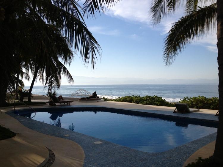 YMI_PanchaKarma_Retreat_Mexico_pool